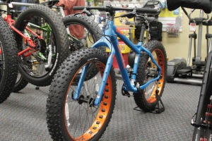 2016 Salsa Mukluk X7 Fat Bike, Cycling Trend